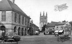 Helmsley, Market Place And Church c.1955