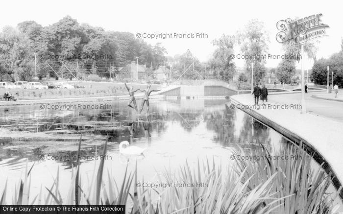 Hemel Hempstead, the Water Garden c1963