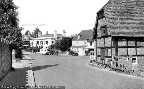 Henfield, Golden Square c1955