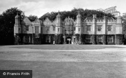 Hengrave Hall 1950, Hengrave
