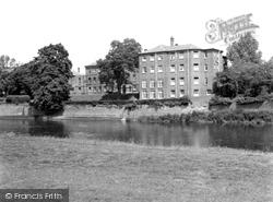 General Hospital 1938, Hereford