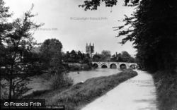 Hereford, The Bridge, River And Cathedral c.1950