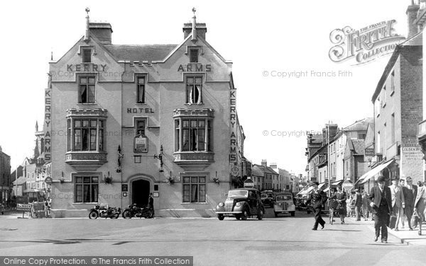 Hereford, the Kerry Arms Hotel and Commercial Road c1950