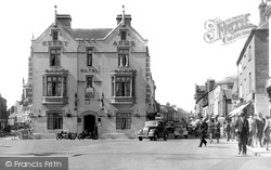 The Kerry Arms Hotel And Commercial Road c.1950, Hereford