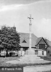 Hertford, the War Memorial 1922