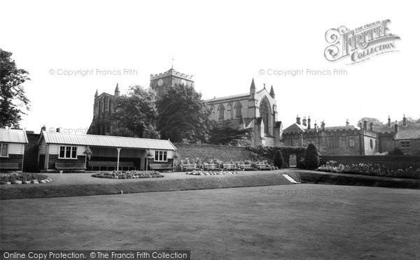 Hexham, the Abbey and Bowling Green c1960