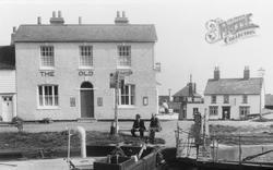 Lock Hill c.1960, Heybridge Basin