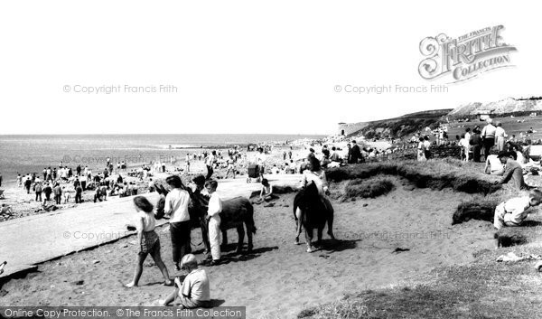 Photo of Heysham, Half Moon Bay c.1965
