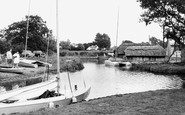 Hickling, Beales Boathouse c1965