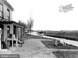 Hickling, The Staithe From The Pleasure Boat Inn c.1931
