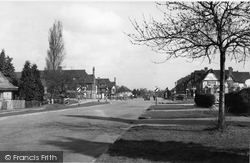 Manor Road South c.1955, Hinchley Wood