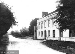 Hindhead, Portsmouth Road 1907