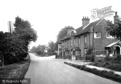 Hindhead, The Seven Thorns Inn 1924