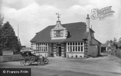Woodcock Inn 1922, Hindhead
