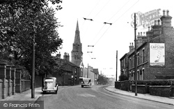 Atherton Road And St Peter's Church 1950, Hindley