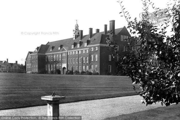 Photo of Hitchin, Girls Grammar School 1931