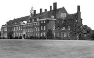 Hitchin, Girls Grammar School c1955