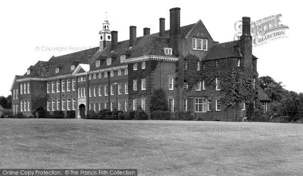 Photo of Hitchin, Girls Grammar School c1955