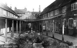 The Arcade 1931, Hitchin