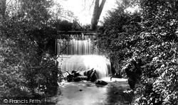 The Waterfall 1901, Hitchin