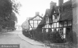 Hodnet, Whitewash And Thatch c.1935