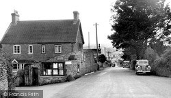 Holcombe, The Hill And Post Office c.1950