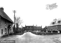 The Village Green c.1945, Holdenhurst