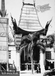 Chinese Theatre c.1935, Hollywood