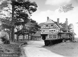 Beatrice Webb House c.1955, Holmbury St Mary