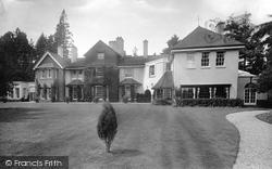 Holmbury St Mary, Inholm 1924