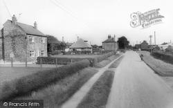 Holme-on-Spalding-Moor, Back Lane c.1965