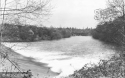 Down The River c.1955, Holt Fleet