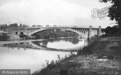 The Bridge c.1950, Holt Fleet