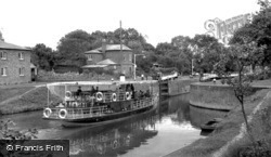 The Locks c.1955, Holt Fleet