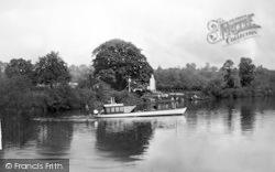 The River c.1950, Holt Fleet