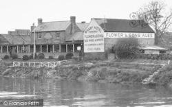 The Wharf Hotel c.1955, Holt Fleet