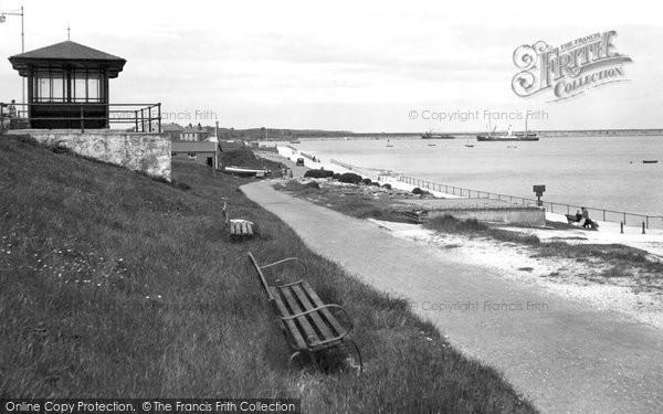 Photo of Holyhead, the Promenade c1946