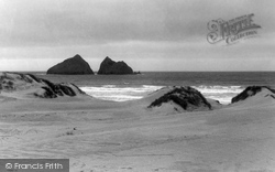 Gull Rocks c.1960, Holywell Bay