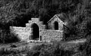 Holywell Bay photo