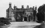 Holywell, the Castle c1930