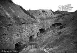 Holywell, The Caves At Holway c.1930