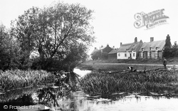 The Great Ouse 1914, Holywell