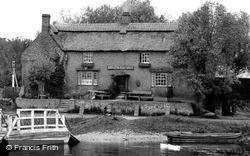 The Old Ferry Boat Inn 1914, Holywell
