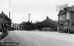 Hoo, High Street And Institute c.1955
