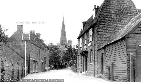 Hoo, the Church and Chequers Hotel c1950