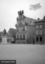 Rode Steen, Westfries Museum And Jan Pieter Zoon Coen Statue 1938, Hoorn
