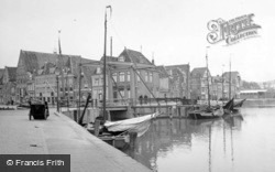 The Water Front c.1938, Hoorn