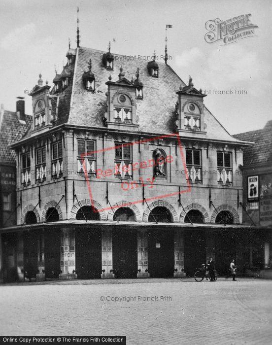 Photo of Hoorn, Waag c.1930