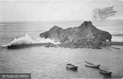 Breakwater 1925, Hope Cove