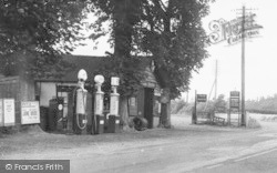 Markhams Filling Station c.1955, Hope Under Dinmore